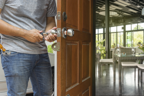 locksmith opening door